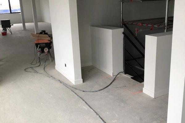 Wanden voorzien van glasweefsel fijne ruit en afwerken met latex